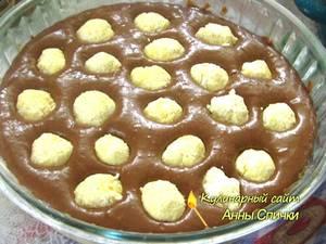 Как печь пляцок с творожными шариками