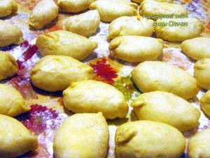 Как приготовить пирожки с квашенной капустой - шаг 4