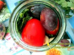 Как мариновать помидоры со сливами