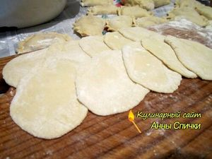 Как приготовить вареники с капустой шаг 2