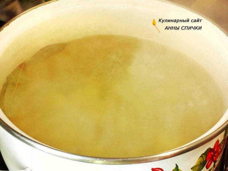 Как приготовить борщ с грибами