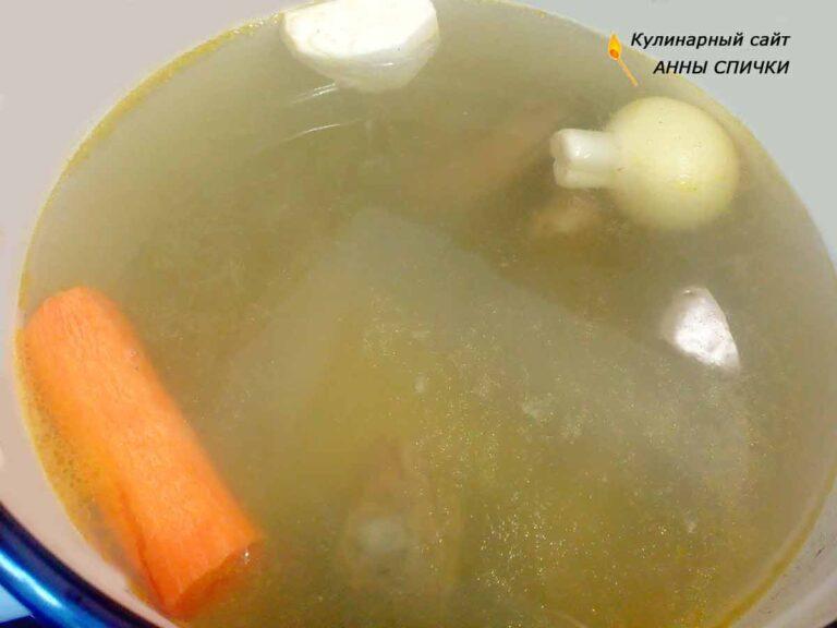 Рецепт супа с домашней лапшой на курином бульоне