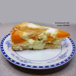 Бисквитный пирог с тыквой и яблоками