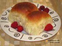 Домашние пирожки с малиной в духовке