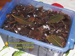 Маринуем древесные грибы муэр по-корейски