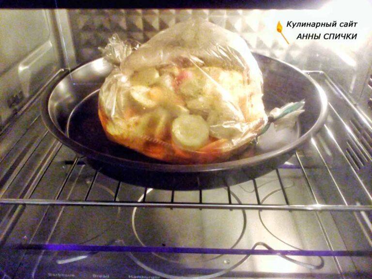 Кабачковая икра в рукаве в духовке