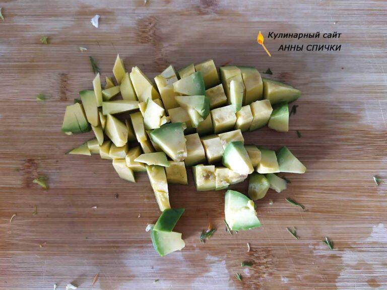 Авокадо режем