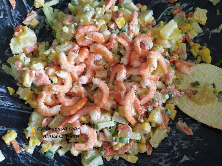 Смешиваем салат, добавляем майонез